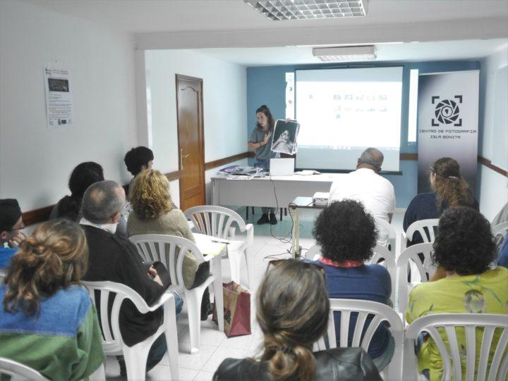 Charla de Sara Batuecas a los Alumnos de La Escuela de Fotografía de Breña Baja y de la Escuela de Arte Manolo Blahnik
