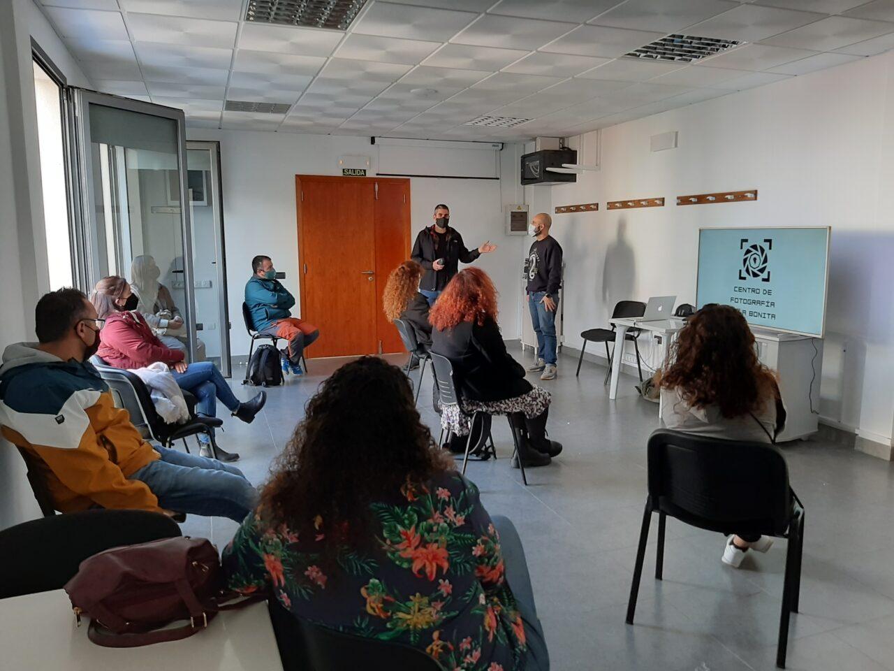 Dani RoCa y Arturo Rguez en la Escuela de Fotografia de Los Llanos de Aridane